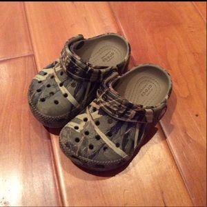 Crocs camouflage sandals